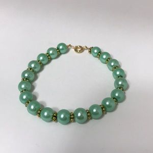 Handmade Light green and gold beaded bracelet
